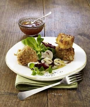 Gebackener-Nuss-Camembert-auf-Feldsalat.html