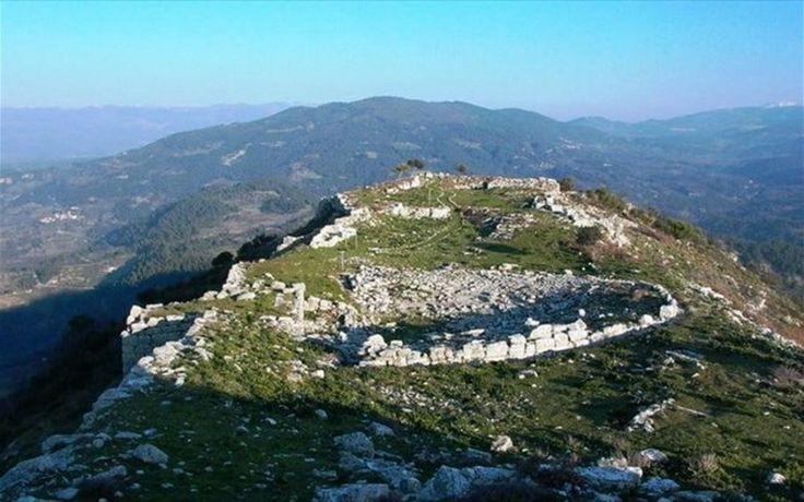Αρχαίο θέατρο Πλατιάνας - Palatiana Ancient theatre