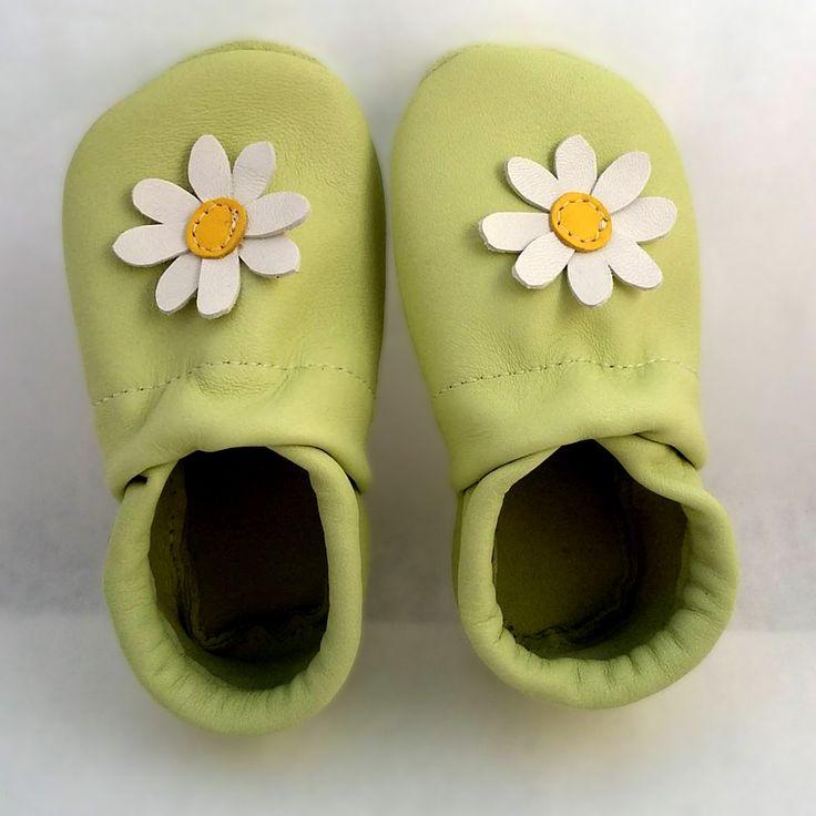 pilooshoe flower