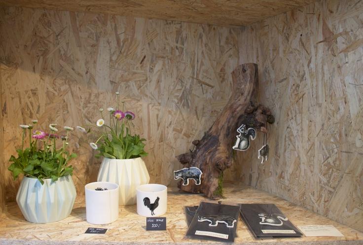 Designkollektivet.dk Nina Meldgaard : vases and candlelight holders, Maria Louise Andkær : ornaments. Ninameldgaard.dk Marialouiseandkaer.dk/