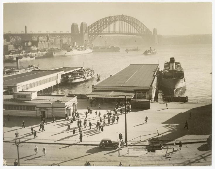 Harbour Bridge, Circular Quay ~1946-49