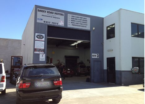 Barry Road Motors, expert in car service and Best Car mechanics servicing in Campbellfield, Epping & Craigieburn areas. With the best technology and diagnostic equipment's our professionals can help you with all services. If you are want more information or to book for car service, Call Us on 03 9357 7075