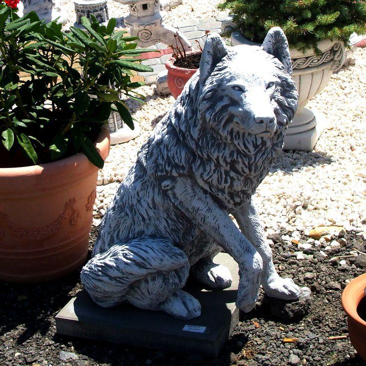 Kutya szobrok a kicsitől a nagyig minden fajta kutya megtalálható választékunkban. Halásztelki telephelyünkre érdemes ellátogatni, ha szereti, a szobrokat ígérem lesz mit nézegetni.