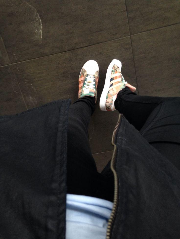 Shoes >> Superstar Adidas