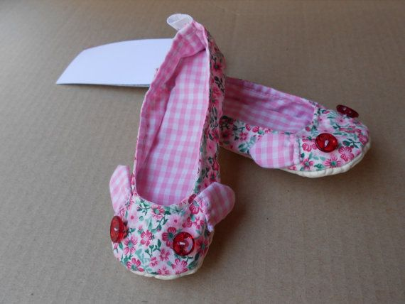 Zlippers  Toddler Pink flowered slippers 1824 months by Zezling, €13.00