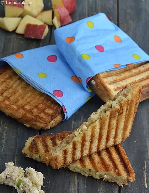 Paneer and Apple Grilled Sandwiches