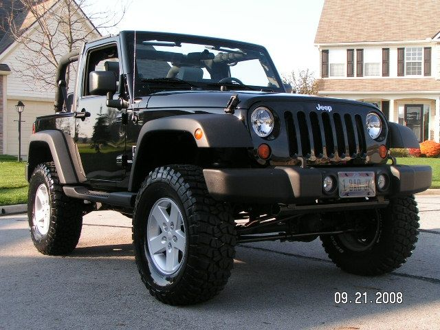 """My ideal lift height for a 2 dr JK. Rusty's 3.25 Coils. 35x12.5"""" tires 17"""" rims. Also has Spidertrax 1.5"""" spacers."""
