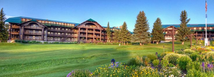 Glacier Park Lodge in Montana | Glacier Park Inc.
