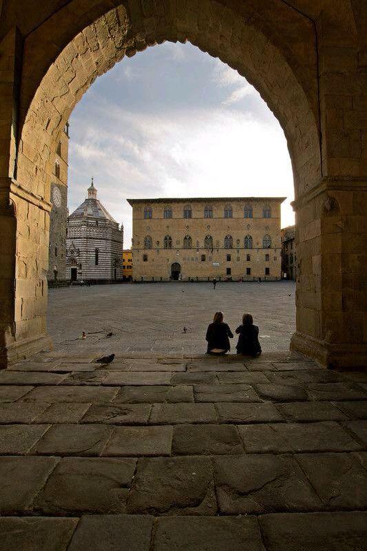 Piazza del Duomo, Pistoia, Toscana