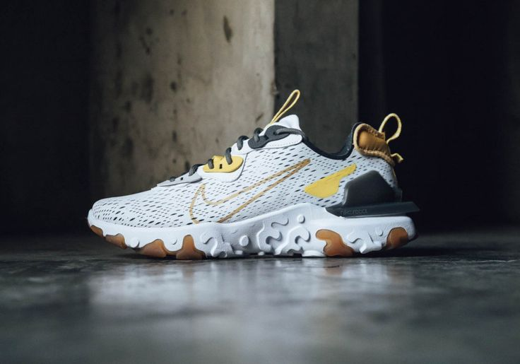 Nike React Vision Dimsix 'Honeycomb' (2020)   Chaussures homme ...