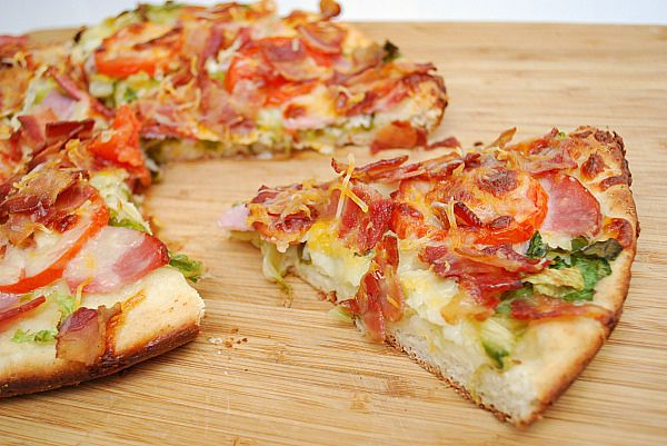 BLT Pizza: Transform a popular sandwich into a tasty pizza!