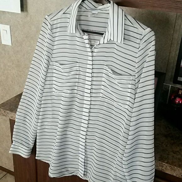 Old navy blouse size small Black and white old navy striped blouse size small. Bought and never wore. All offers are welcome! Old Navy Tops Blouses