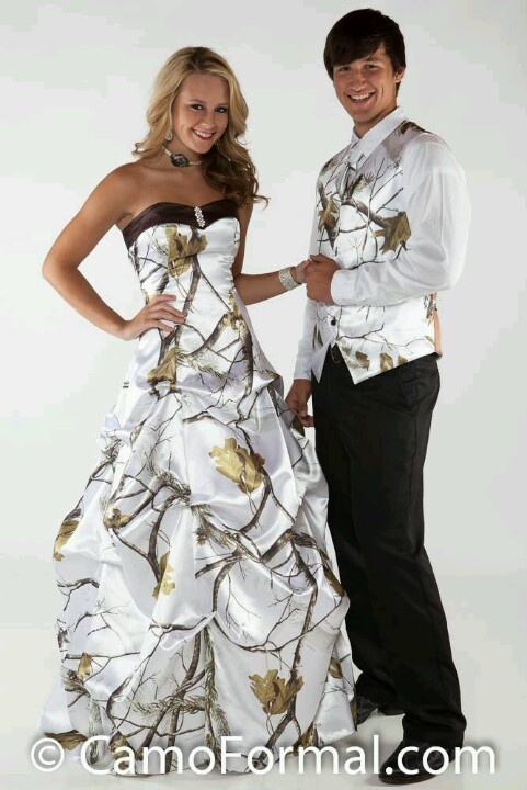 Beautiful Winter Camo Wedding Dress!!!! Want it so bad just the dress :) SOMEDAY......