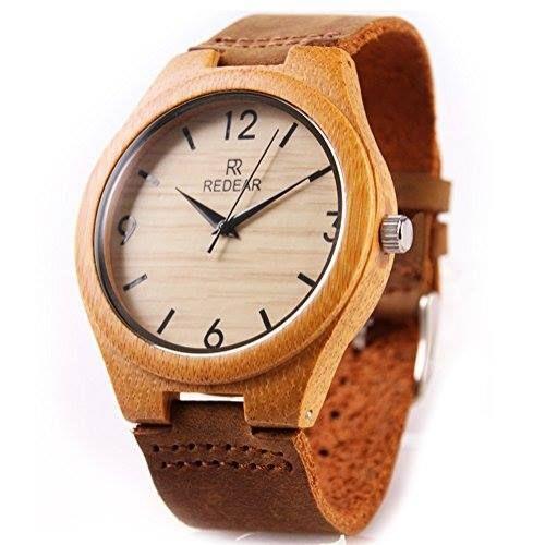 Reloj de pulsera analógico hecho de bambú y correa de cuero http://www.milideaspararegalar.es/producto/reloj-de-pulsera-analogico-hecho-de-bambu-y-correa-de-cuero/