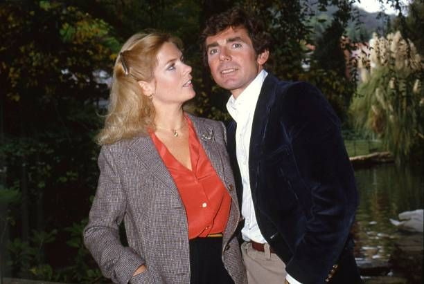 Actress Meredith Baxter-Birney and her husband David Birney poses for a portrait session at home in circa 1982 in Los Angeles, California .
