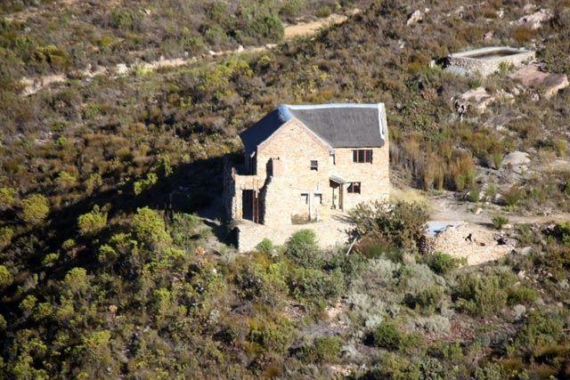 Boesmanskloof McGregor | Eagle's Nest Accommodation | Onverwacht Flora Accommodation | McGregor Greyton Hiking Trail | Boesmanskloof Hiking Trail | McGregor Farm Accommodation