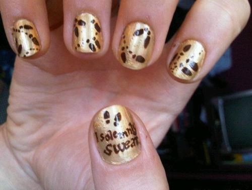 There is no way a Harry Potter nerd such as myself could ever resist these Marauder's Map nails.