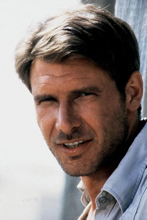 Hello young Harrison Ford