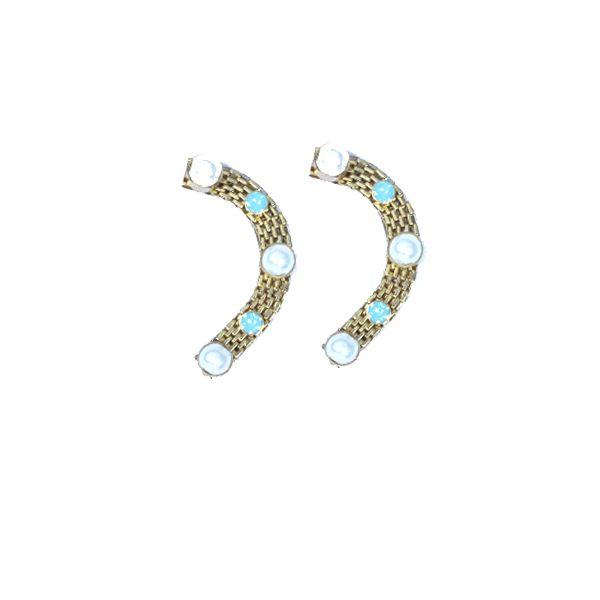 Lace Ear cuffs : #rachanareddy #earcuffs #earings #pearls #festive #india   Shop here: www.rachanareddy.com