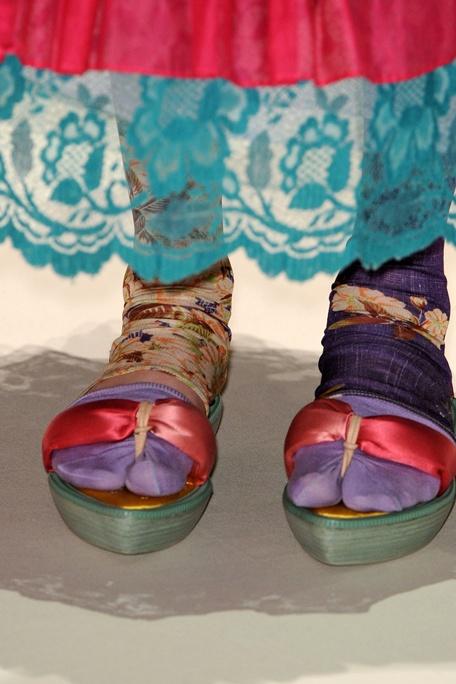 kenzo spring 2011 ready to wear. Sweet Mercy. NO!