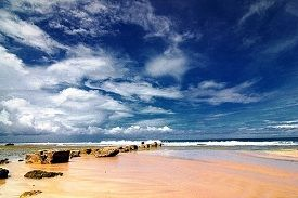 bacpakeran seru ke pantai ujung genteng sukabumi