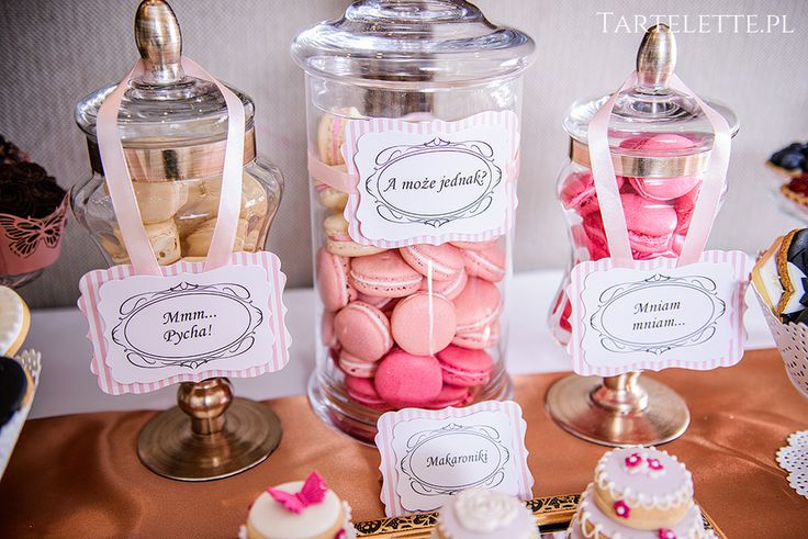#sweettable #candybar #słdokistół #cracow #sweets #macarons #pink