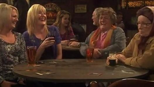 ▶ Mrs Browns Boys S01E01 - Video Dailymotion