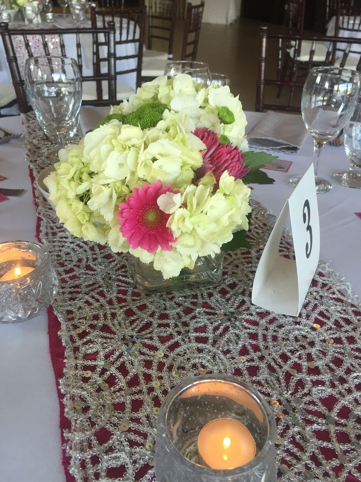DIAMOND - Fresh floral arrangement of hydrangeas and gerbera daisies in a square vase