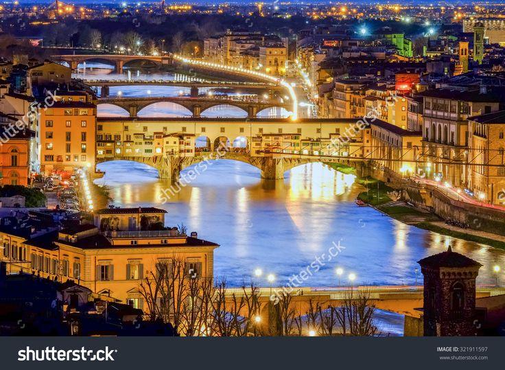 Florence, Ponte Vecchio Scenics night view