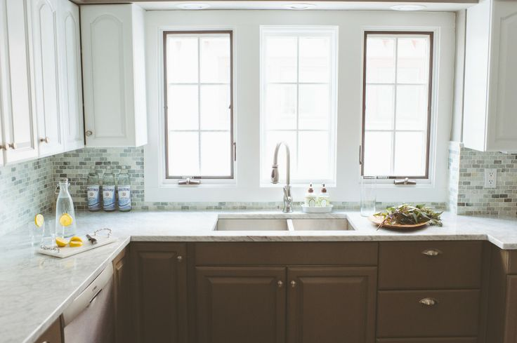 Dark Lower, Brown Cabinets, Paper Antlers, Kitchens Pictures, Kitchens