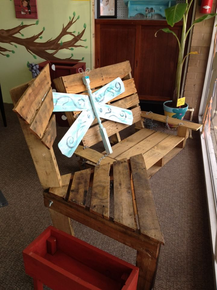 365 best images about pallets on pinterest pallet wood for How to make a pallet swing