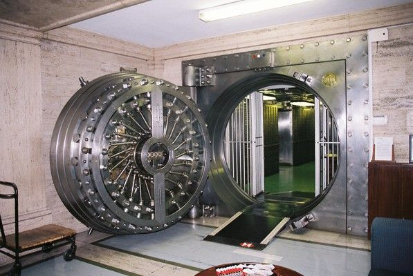 Federation of Small Businesses FSB UK Fraud Bribery Corruption - CRIME*SCENE CARROLL*HOUSE