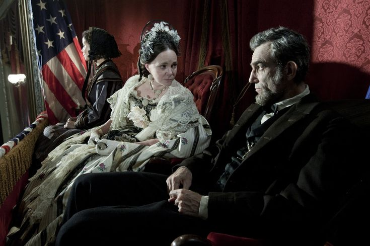 "Sally Field as Mary Todd Lincoln, and Daniel Day-Lewis as Lincoln He won best performance by an actor in a leading role Lincoln (2012) Accepting the award, Day-Lewis thanked the film's director, Steven Spielberg, and then paid tribute to the ""mysteriously beautiful mind, body and spirit of Abraham Lincoln."" It took director Steven Spielberg three attempts to persuade Day-Lewis to take on the role of Lincoln. http://www.reuters.com/article/2013/02/25/us-oscars-bestactor-idUSBRE91O05V20130225"
