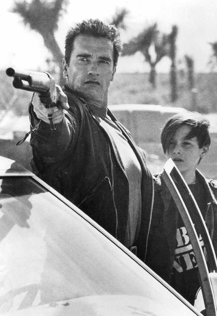 Arnold Schwarzenegger & Edward Furlong in Terminator 2