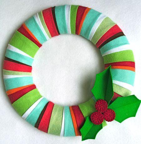 DIY Christmas felt wreath