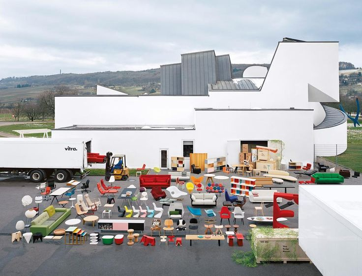 The Project Vitra commenced in the year 1957, when the company's founders, Willi and Erika Fehlbaum, began to produce furniture by Charles and Ray Eames and George Nelson. Read about the project in the #VitraMagazine on www.vitra.com/Magazine