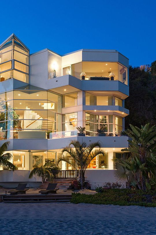 "boldempire: "" Paradise Cove Beach Home // Bold Empire """