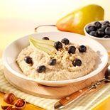 Buchweizengrütze mit Wasser zubereitet - Buchweizenbrei :) - russisches Frühstück - MorgenStund' mit Beeren, Birne und Haselnüssen... viele verschiedene Rezepte mit Buchweizen - http://www.p-jentschura.com/de/produkte/lebensmittel/morgenstund/rezeptideen
