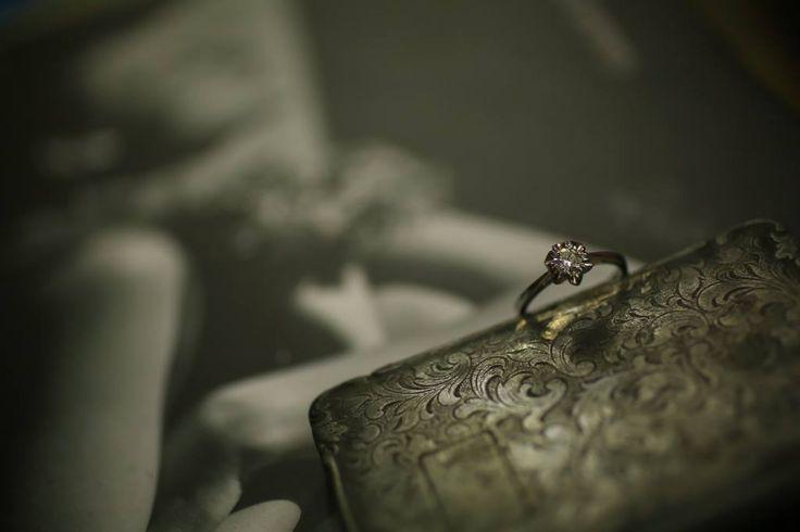 Reflectă dragostea în toată strălucirea sa, cu inelele de logodnă Sabion. O colecție unică așteaptă să fie descoperită pe www.sabion.ro/shop.