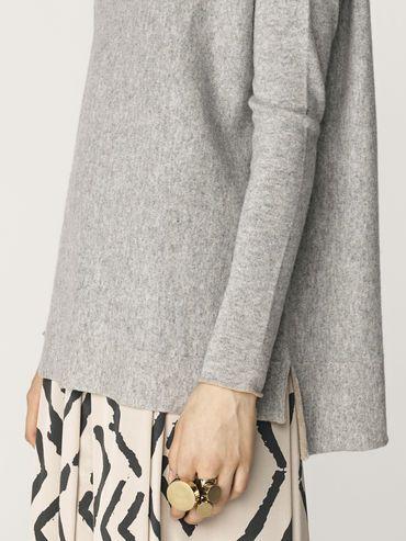 Tillon sweater