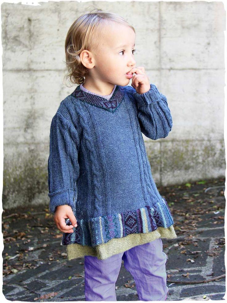 vestito maglia bambina Zoe in pura lana d'alpaca #vestito #maglia #bambina con lavorazione a #treccia, scollo a V, #maniche lunghe e #balze al fondo. Splendido #gioco di #colori per il #disegno #etnico. #Maxi #pull per #bambina ! http://www.lamamita.it/store/abbigliamento-invernale/1/abiti-in-maglia-bimbi/vestito-maglia-bambina-zoe#sthash.hOlD3W96.dpuf