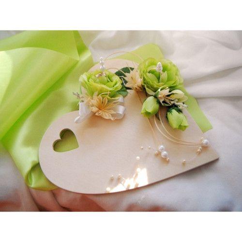 Podložka pod prstýnky- srdíčko zelené růžičky