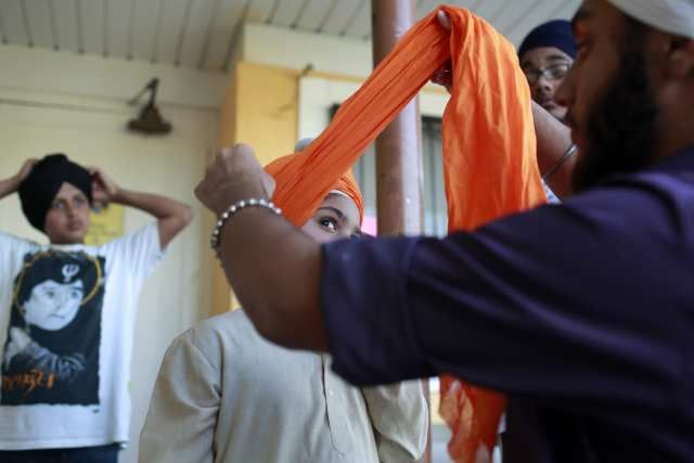 Jerry Brown signs law protecting Sikhs, Muslims, from workplace bias