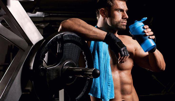 Direkt nach dem Training, am besten noch vor dem Duschen, sollten Sie einen Protein-Shake einnehmen