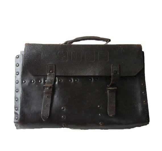 FRANÇAIS 1950 VINTAGE, Rare ! Électricien de cuir / Train réparation sac à outils, « S, F, C, N ». Cuir épais, brun foncé avec des poteaux métalliques
