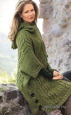 Уютное пальто-пончо спицами