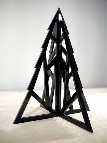 Lasercut geometric Xmas Tree by Vectorealism