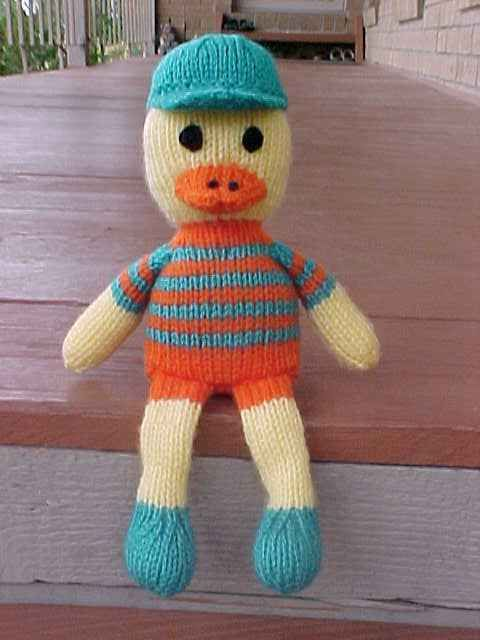 Free Knitting Patterns For Dolls House : free pattern - knitted duck Arts and Crafts Pinterest Ducks, Knitting P...
