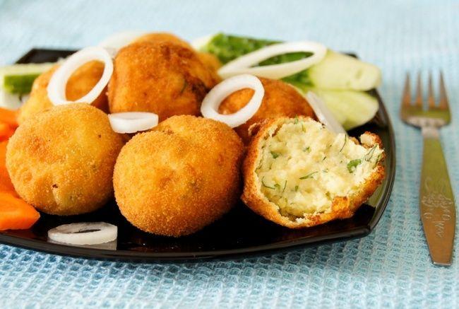 Картофель незря называют вторым хлебом. Нооннетак прост, как кажется. Ведь изнего можно приготовить огромное количество блюд, которыми можно порадовать идомашних игостей. Мы подобрали для вас 1…