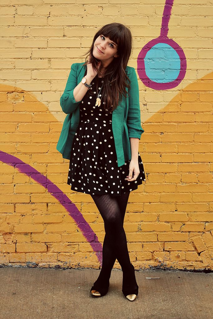 This gal really knows how to work a pop of color! Don't you just love the way she paired her #Emerald blazer with a polka dot black dress? #ColoroftheYear